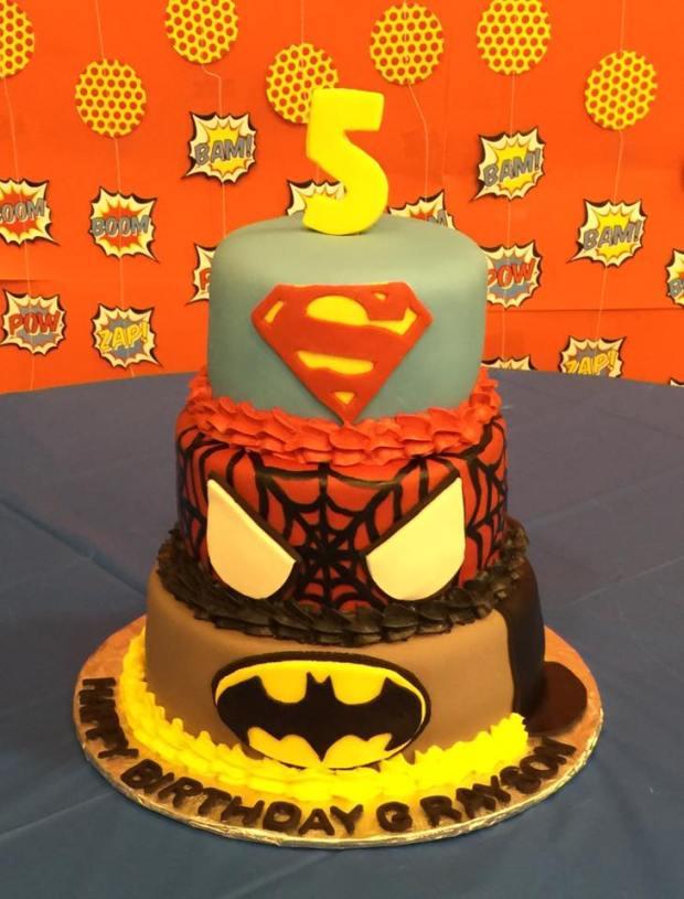 super-hero-cake
